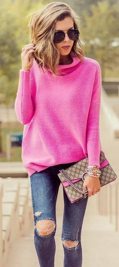 fall outfit idea : pink sweater + bag + rips