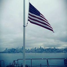 #Repost @laetitiadferrenti  #alcatraz #sanfrancisco #americanflag #amazingview