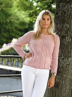 Warm Outfits, Winter Outfits, Knitting Paterns, Poncho Sweater, Knit Fashion, Pulls, White Jeans, Knitwear, Knit Crochet