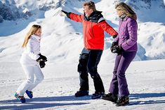 King Willem-Alexander, Queen Maxima, Princess Catharina-Amalia, Princess Alexia and Princess Ariane attended the annual winter photo session Kingdom Of The Netherlands, Dutch Royalty, Holland, Royal Princess, Winter Photos, Queen Maxima, Winter Wear, Photo Sessions, Family Photos