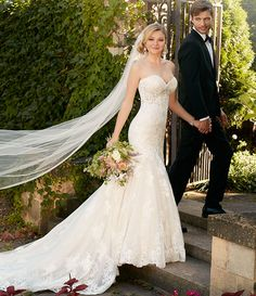 Find the wedding dress that will make your special day truly memorable from Essense of Australia, offering a level of detail above other wedding dress designers.
