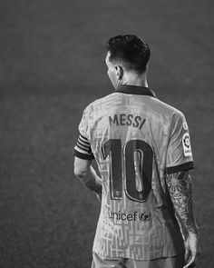 Barcelona Soccer, Fc Barcelona, Leonel Messi, Messi 10, Football Players, Belle Photo, Photos, Sports, Mens Tops