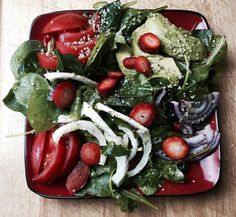 Strawberry spinach salad with hemp seed oil dressing