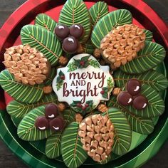 100 Christmas Cookies Decorations That Are Almost Too Pretty To Be Eaten – Hike n Dip - Cupcakes Christmas Wreath Cookies, Iced Cookies, Holiday Cookies, Cookies Et Biscuits, Acorn Cookies, Christmas Gingerbread, Noel Christmas, Christmas Treats, Christmas Baking
