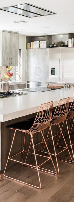 Mid-Century Bar Stools You Should be Using in Your Home Decor | www.barstoolsfurniture.com | #barstools #counterstools #barchairs #midcenturyfurniture