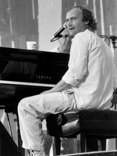 Phil Collins Pop Singer at Live Aid Concert 1985. Jfk Stadium Philadelphia Photographic Print - AllPosters.co.uk