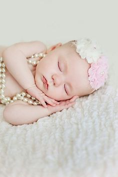 I just love the pearls on baby! ♥