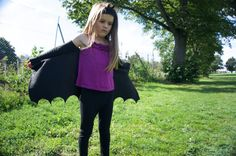 Childrens dressing up bat wings made from black polar fleece. They are fabulous items for dressing up for boys or girls, you can pretend not only to be a bat in general or why not be Mavis from Hotel Transylvania or maybe Batman! The wings being modelled are my daughters own pair and the two for sale are exactly the same. The wing span (wrist to wrist, with arms outstretched) measurement is 89.5cm and the length is 46cm. I would estimate they are suitable for a 5-6 yr old. If you would like…