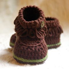 CROCHET PATTERN #207 Baby Fringe Moccasin Boot Booties  -  Instant Download pdf