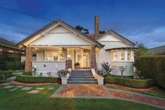 California Bungalow Extensions: 4 Quick Tips - If cruising down Melbourne streets on a Sunday afternoon and checking out the old house styles is something you like to do you probably already know all about Bungalow Exterior, Bungalow Renovation, Bungalow House Plans, Bungalow Extensions, House Extensions, House Window Design, California Bungalow, House Extension Design, Ranch Style Homes