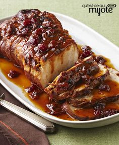 Slow-Cooker Cranberry-Orange Pork Roast – Cranberry sauce and the juice and zest of an orange, work their tasty magic in the slow-cooker so you can come home to this sweet and tart roast pork loin recipe. Crock Pot Slow Cooker, Slow Cooker Recipes, Crockpot Recipes, Cooking Recipes, Game Recipes, Slow Cooking, Pork Roast Recipes, Sauce For Pork Roast, Kraft Recipes