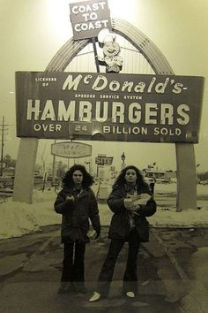 hydrothunder:  old-school-fools:  Eddie Van Halen and David Lee Roth at McDonalds, 1979  I love them, but daaamn, this is an awful photo. Before I read the caption I thought they were two weird, scrunchy-faced ladies.
