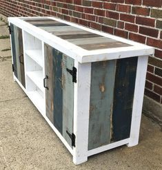 Wood, Diy Furniture, Wood Entertainment Center, Wood Pallets, Diy Pallet Furniture, Furniture Making, Modern Industrial, Diy Home Decor Projects, Home Remodeling Diy
