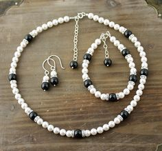 Black and White Pearl Necklace, Bracelet and Earring Set,  Bridal Set, Swarovski Pearl Necklace, Little Black Dress Necklace by true2u on Etsy