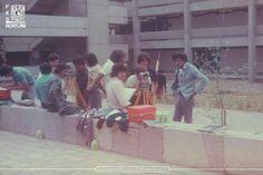 Nuestros 41 años cuentan la historia de la formación de profesionales talentosos, orgullosamente egresados de la Facultad más grande de la UNAM. #TBTAcatlán