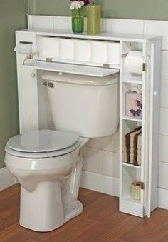 17 Hacks For Small Bathrooms With Big Problems