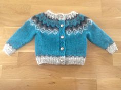 Icelandic wool sweater with buttons, for 6-12 months old, handmade