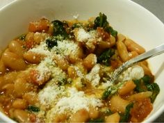 Healthy Winter Dinner: Tuscan Vegetable Soup. LOVE soup in the winter!