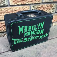 my hand painted lunchbox !!!