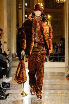 Versace | Menswear - Autumn 2018 | Look 7