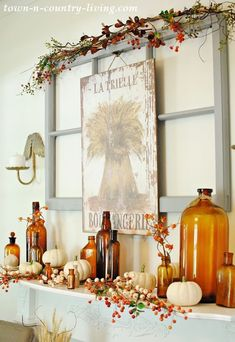 Vintage Fall Mantel with Brown Bottles Vintage Fall Mantel 2018 Farmhouse Beautiful fall farmhouse ideas and inspiration. Beautiful fall decor is the perfect way to celebrate the season and any DIYer's dream. And all decor these days are not just one size Vintage Fall Decor, Rustic Fall Decor, Fall Home Decor, Autumn Home, Diy Home Decor, Autumn Mantel, Fall Mantels, Country Fall Decor, Fall Fireplace Decor