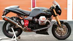 Take the Moto Guzzi V11, add some higher spec components, black paint scheme, and limited production numbers, and you get the Scura. Approximately 700 examples of the Scura were built, and they were upgraded with Ohlins suspension (forks, shock, and steering damper), carbon fiber panels, and a single disc clutch/aluminum flywheel that was supposed to be more aggressive, though there are reports of higher-than-normal failure rates.
