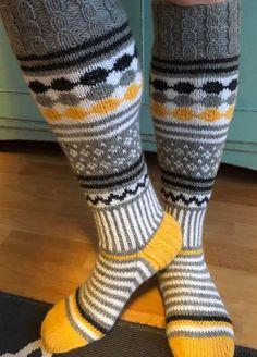 Knit Socks, Knitting Socks, Marimekko, Cool Socks, Projects To Try, Patterns, Fabric, Fun, Slipper