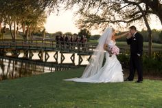 Breathtaking scenery. Look at this gorgeous photo from a wedding at University Park in Sarasota, Florida! Check out our country club venue, you don't have to be a member to get married here! #UniversityParkWeddings http://www.universitypark-fl.com/weddings/ Photo by Al Gordon