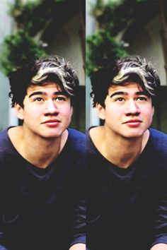 Happy birthday babe I love you soooooo much!!! Congrats on making it to 19!!! I love you and everything you do your awesome and playing bass and an amazing singer and you all in all just make me super happy thank you!!!!!! Happy birthday to my Cal-Pal @calumhood5sos