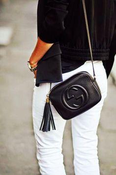 f4b87e17a5764f Chic GUCCI Leather Crossbody Purse #pursesgucci Black Gucci Bag, Gucci Soho  Bag, Gucci