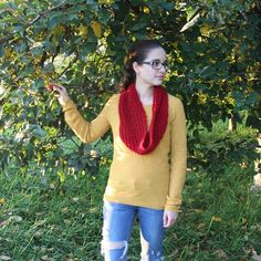 #autumn #scarf #knitting #red #handmade #streetstyle Street Style, Autumn, Knitting, Crochet, Red, Handmade, Crafts, Fashion, Moda