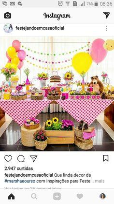 Fiesta Masha y el Oso Picnic Birthday, Bear Birthday, 3rd Birthday Parties, Girl Birthday, Party Decoration, Birthday Decorations, Masha Et Mishka, Marsha And The Bear, Fete Emma