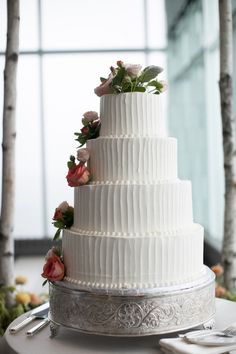 I like the vertical frosting.     Photography By / http://lovemedophotography.com