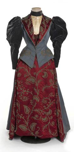 Dress, 1895, at Les Arts Décoratifs, Paris. Photo: Jean Tholance. Via Europeana Fashion.