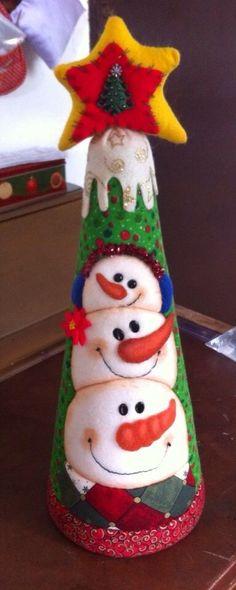 Patchwork Navidad Ideas Manualidades New Ideas Christmas Makes, Felt Christmas, Christmas Snowman, All Things Christmas, Christmas Time, Christmas Stockings, Christmas Ornaments, Snowman Tree, Snowman Crafts