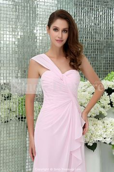 bridesmaids dresses in light pink   Above is the photo of light pink bridesmaid dresses with short hemline ...