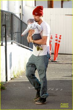 Josh Duhamel takes his son Axl to breakfast on January 11, 2014