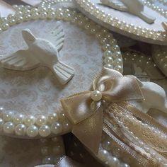 Detalhes!!! #artedemimar #batizado #batismo #lembrancadebatizado #lembrancadebatismo #medalhaododivino #divinoespiritosanto