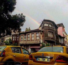 Bu sabah #yedikule  #busabah #istanbul #gökkuşağı #rainbow #aniyakala #igers #igersistanbul #instagram_turkey #instaphoto #photooftheday #gününkaresi #benimyedikulem #istanbuldayasam #eskievler #oldhouse #yedikuleminevleri #architecture