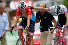 Bob Jungels and Bauke Mollema finish stage 17