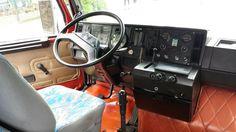 https://i.pinimg.com/236x/f6/3e/18/f63e184e2a86187e3dd3a0d5dffd844e--truck-interior-jpg.jpg