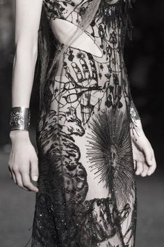 Alexander McQueen Fall 2017 Ready-to-Wear