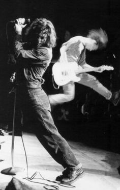 heartofrockandroll: Eddie Vedder & Mike McCready