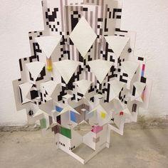 Popup experiments... #paper #popup #popupology #papershapers #origami #origamic #origamicarchitecture #kirigami #kiriorigami #kineticpaper #fold #foldesign #elod #elodberegszaszi