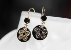 Unique earrings (yellow gold 585/000, onyx)