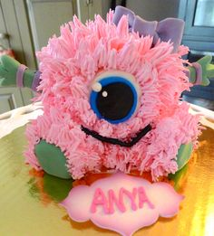 Little monster first birthday party smash cake Monster Smash Cakes, Monster Birthday Cakes, Monster First Birthday, Monster 1st Birthdays, Monster Birthday Parties, Girl First Birthday, First Birthdays, Halloween Smash Cake, Halloween First Birthday