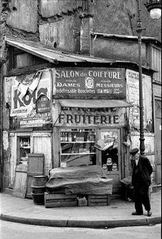 ~Paris, Photo by René-Jacques~ Vintage Paris, French Vintage, Old Pictures, Old Photos, Vintage Photos, Old Photography, Street Photography, Black White Photos, Black And White Photography