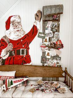 Cute Christmas Tree, Cottage Christmas, Christmas Bedroom, Farmhouse Christmas Decor, Christmas Morning, Christmas Home, Christmas Crafts, Christmas Party Decorations, Holiday Decor