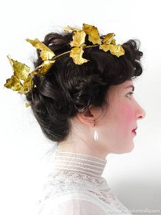 15 Christmas Gibson Girl Hairstyles & Holiday Hair Accessories Edwardian Hairstyles, Milkmaid Braid, Diy Hairstyles, Hairstyle Ideas, Pompadour Hairstyle, Gibson Girl, Satin Roses, Christmas Hairstyles, Diy Hair Accessories