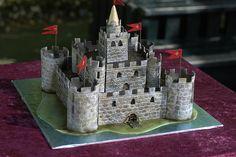 knight-castle.jpg 500×333 pixels